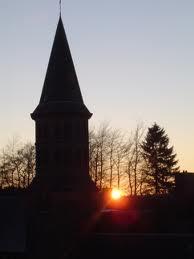 le clocher sous le soleil